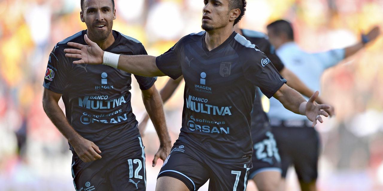 Gallos reacciona y derrota 2-1 a Morelia