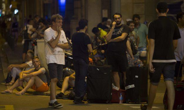 Critican en Twitter por grabar a víctimas del atentado en Barcelona y publicarlo en Internet