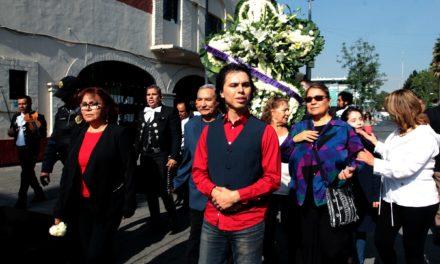 Rinde Joao Aguilera homenaje a su padre Juan Gabriel en Garibaldi