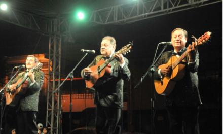 Los Panchos, parte de las emociones vividas en el Barrio de Xallitic durante el Festival de las Flores