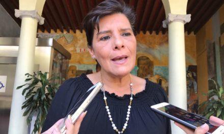 Manterola Saínz seguirá en favor de las peleas de gallos y vaquilladas