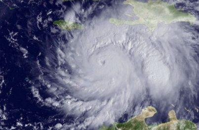 Tormenta Irma se convierte en huracán categoría dos