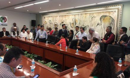 Pepe Yunes brinda su apoyo a los presidentes municipales veracruzanos
