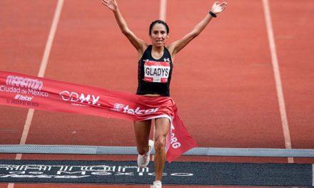 Gladys Tejeda impone récord en el Maratón CDMX