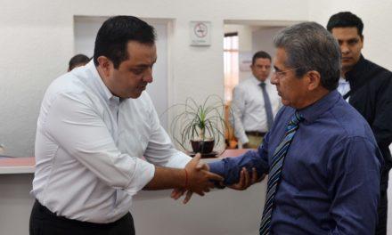 Américo Zúñiga se reúne con Secretario de Finanzas