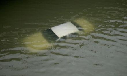 Rescatan a bebé de 18 meses aferrada al cuerpo de su madre ahogada por Harvey