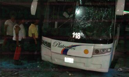 Circula video del momento de la explosión de autobús en Central Camionera de Córdoba