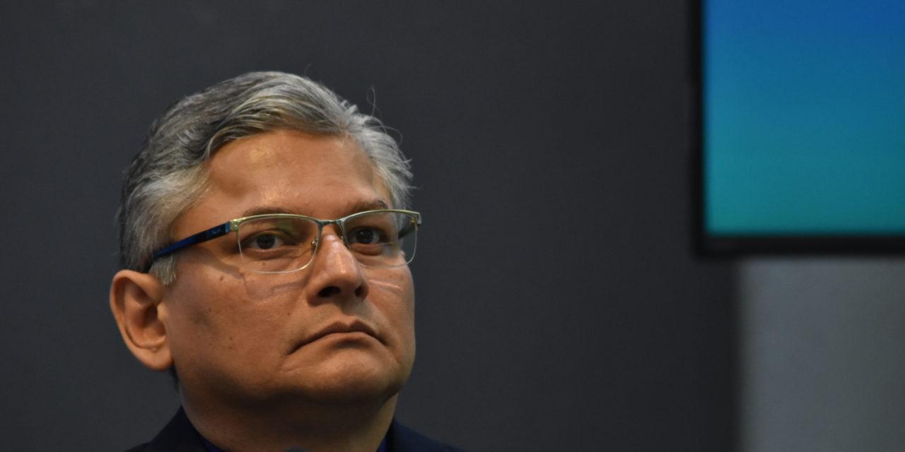 """Niega Jorge Manzo que exista una """"cargada"""" a su favor por parte de la Junta de Gobierno de la UV"""