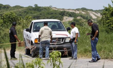 Confirma Fiscalía hallazgo de al menos cinco cuerpos en fosas clandestinas de Santa Ana Atzacan