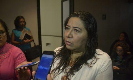 Mujeres periodistas trabajan bajo malas condiciones laborales