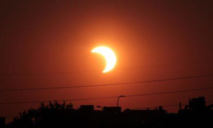 Comparte Chong recomendaciones para observar eclipse solar