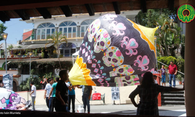 Galería: Demostración de globos de papel china en el Xallitic