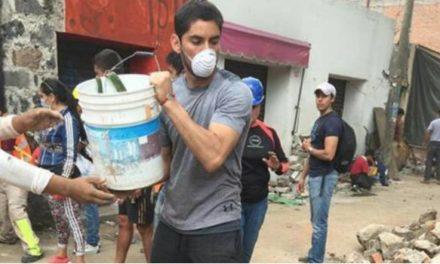 'Chuy' Corona se viste de héroe tras ayudar a víctimas en Xochimilco