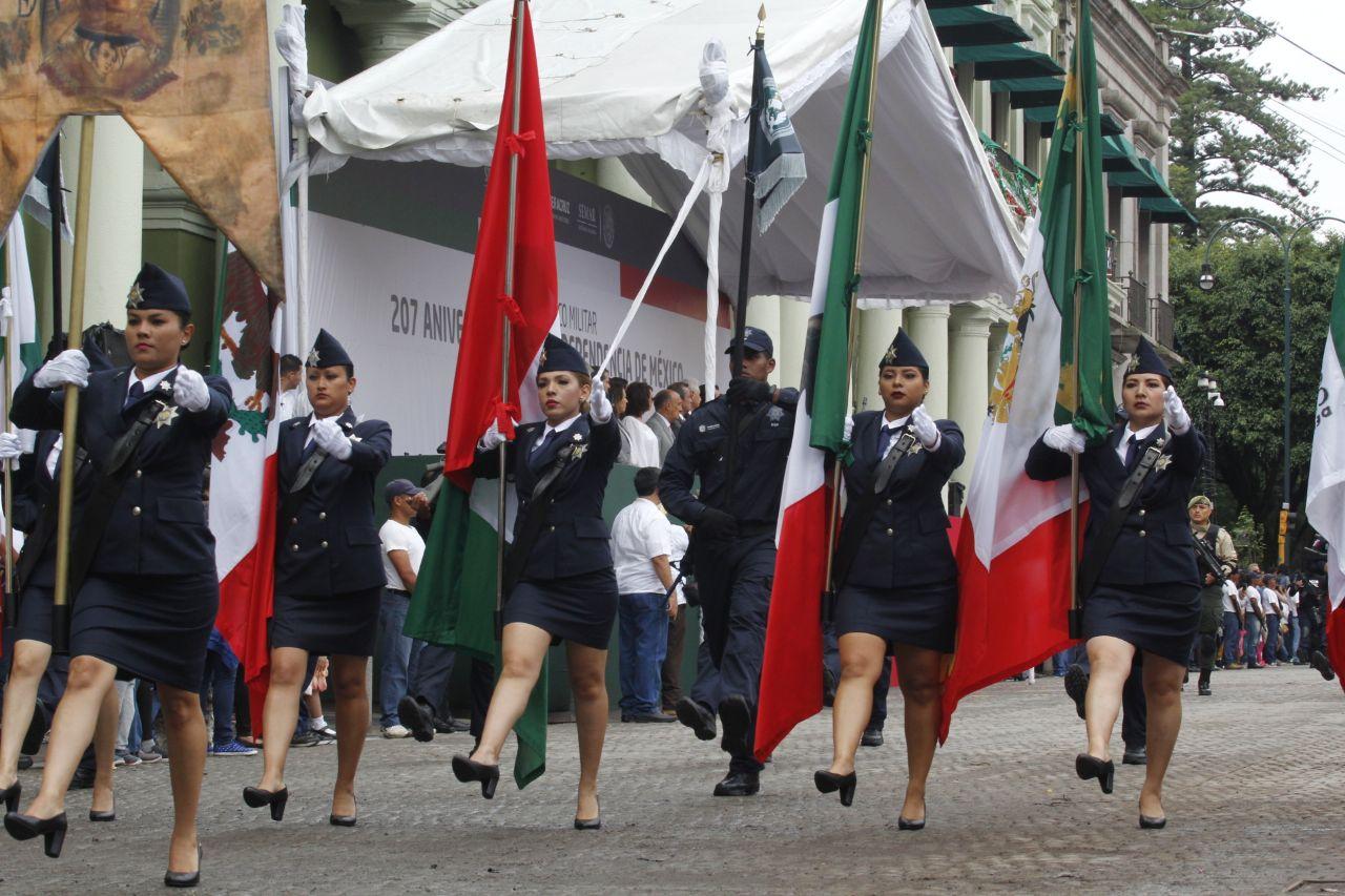 El Color del Desfile en Xalapa FotoNota: Ivan Murrieta