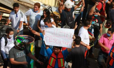 Capitalinos dan muestra de solidaridad; cientos de personas se unen a labores de rescate en CDMX