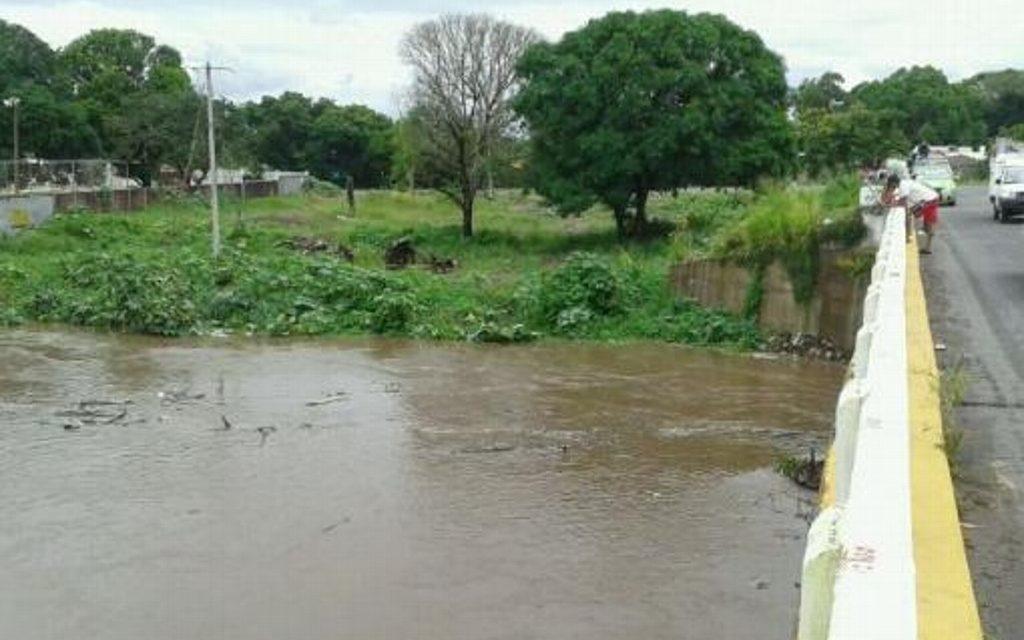 Pese a lluvia, ríos y arroyos de respuesta rápida de Veracruz van a la baja: Protección Civil