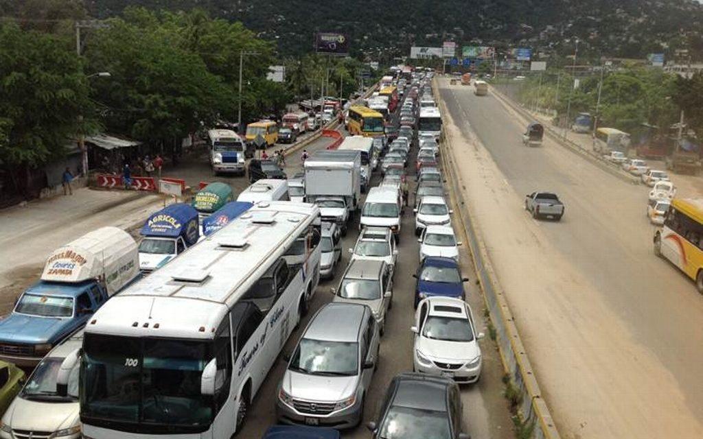 Reporta Capufe cierre de autopista Acayucan-Isla por desborde de río