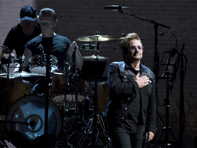 Bono, de U2, lanza una oración por México