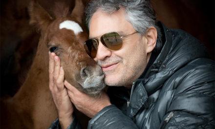 Hospitalizan a Andrea Bocelli tras caer de un caballo