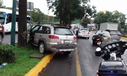 Se registra accidente en Lázaro Cárdenas; hay una menor herida