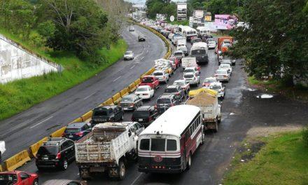Sin paso en el libramiento a Coatepec