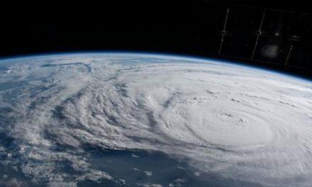 Huracán Irma toca tierra en islas del Caribe