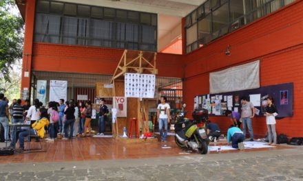UV suspende clases en un edificio de la Facultad de Arquitectura