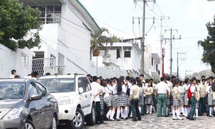 Conalep Xalapa  realiza simulacro de sismo