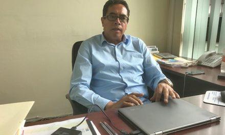 El director de Atención a Migrantes, Arián Gabriel Hernández
