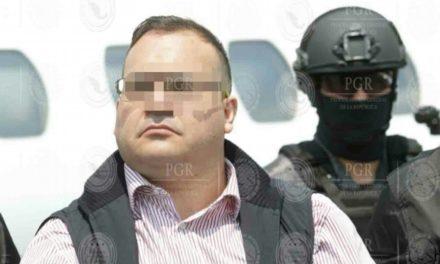 Duarte rompió por un día su huelga de hambre