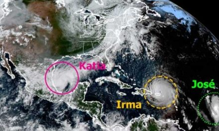 """Desalojan zonas de riesgo en el estado ante amenaza de """"Katia"""""""