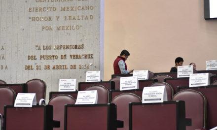 Morena, PRI y Juntos por Veracruz, paralizan el Congreso