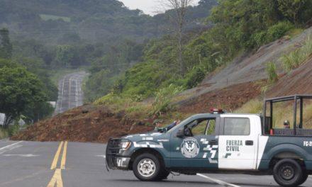 Cerrado el libramiento de Coatepec, por derrumbe