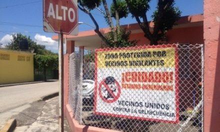 Habitantes de Fortín se preparan para enfrentar a delincuentes