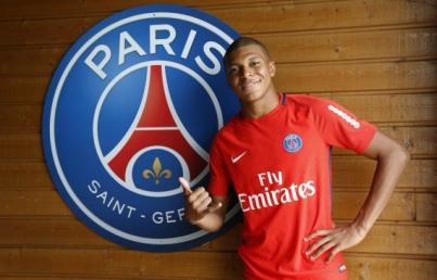 Paris Saint-Germain presenta al delantero Kylian Mbappé
