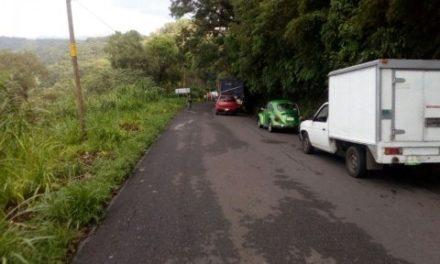 Derrumbe y cierre de circulación en la carretera federal Fortín-Orizaba