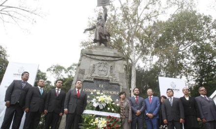 Américo Zúñiga encabezó guardia de honor ante Miguel Hidalgo