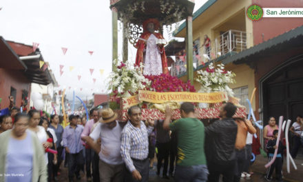 GALERÍA: Llevan a cabo la bajada del arco floral en festividades de San Jerónimo en Coatepec