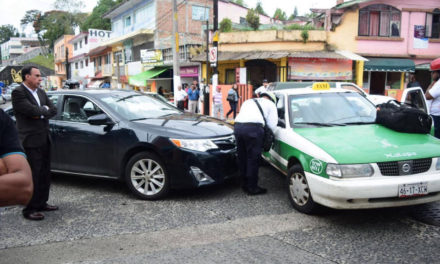 Reportan choque en Bravo esquina  Belisario Domínguez de esta Capital