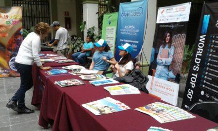 Australia y Cuba ofertan sistemas educativos para los Xalapeños