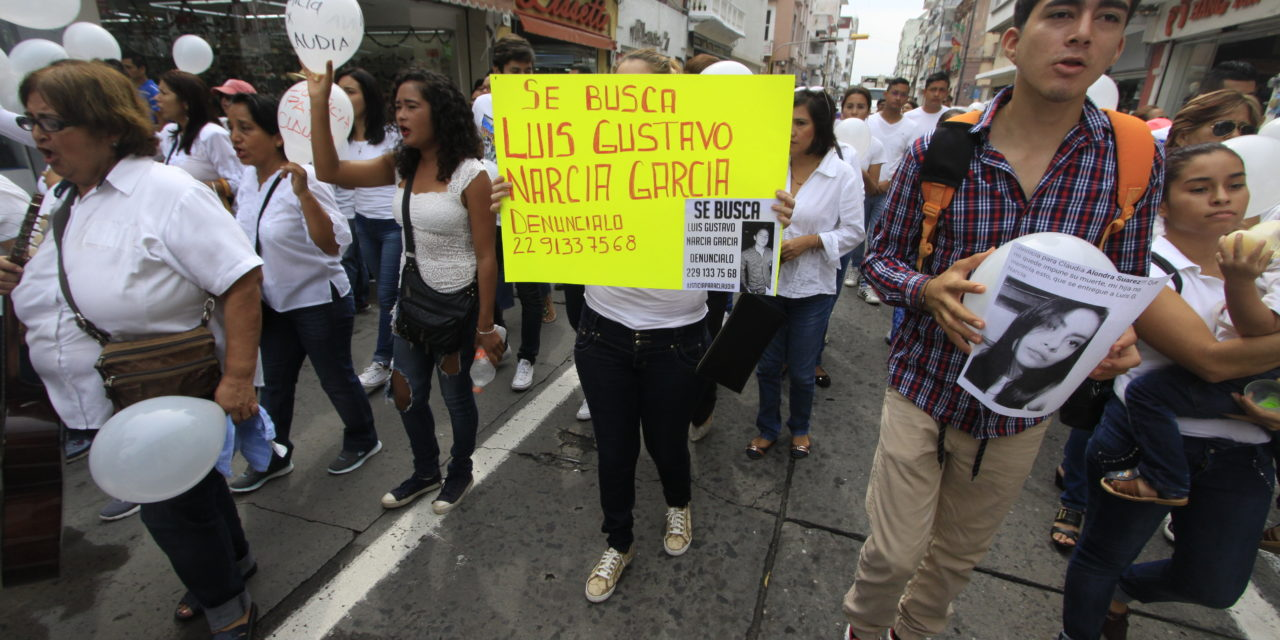 Amigos y familiares exigen justicia para Claudia Alondra