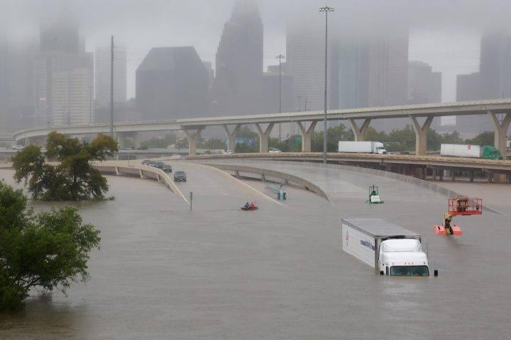 Rinden homenaje latinos en EU a veracruzano que falleció ayudando a víctimas del huracán Harvey