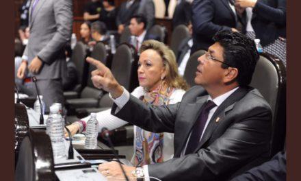 """Exige Fidel Kuri al INE organizar elección en Veracruz en 2018; MAYL """"meterá las manos"""" en el OPLE, dice"""