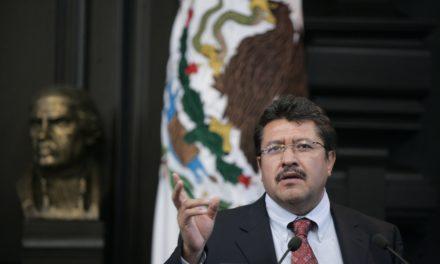 Monreal no asiste a evento de López Obrador; podría abandonar Morena