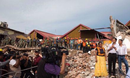 Vamos a seguir acompañándoles para que se recuperen, dice Peña a damnificados por sismo