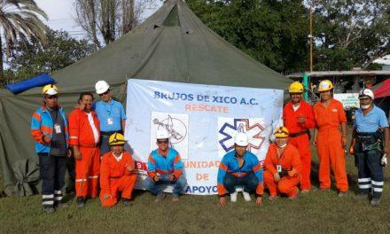 Rescatistas de Xico se encuentran en Jojutla apoyando a damnificados por sismo
