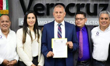 """Organización """"Podemos"""", presentó ante el OPLE Veracruz, la solicitud de registro como partido político."""