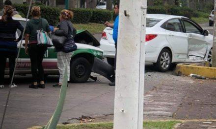 Choque en la avenida Orizaba esquina con calle Francisco Rivera en Xalapa