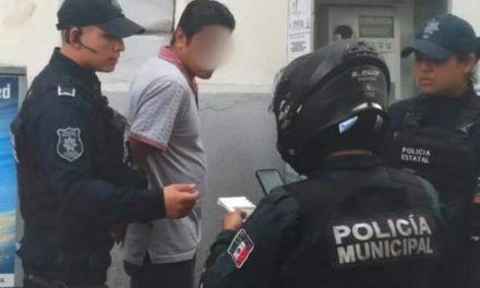 Detienen a carterista en el centro de Xalapa