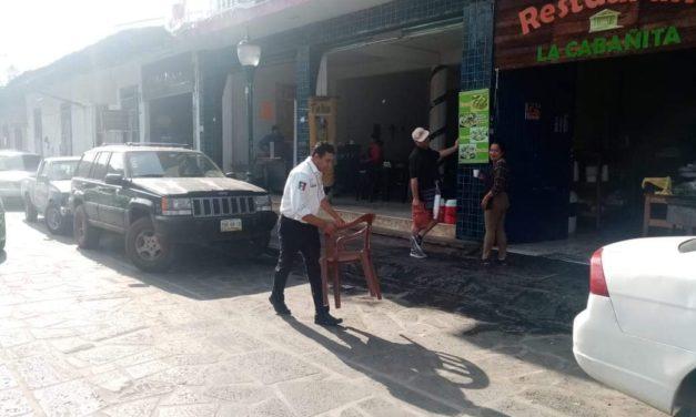 Autoridades de Tránsito del Estado retiran apartados de la zona centro de Coatepec